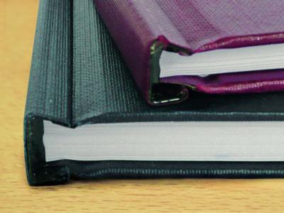 Wir gestalten, drucken und binden mit Hardcover-Schnellbindung Abschlussarbeiten, Fotobücher, Hochzeitszeitungen