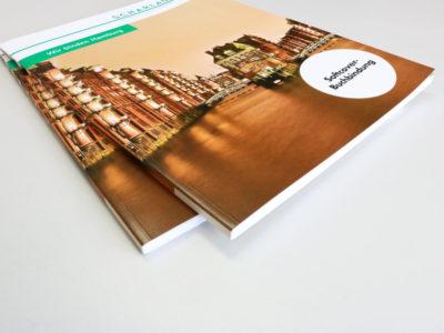 Wir gestalten, drucken und produzieren mit Heißklebebindung Abschlussarbeiten, Fotobücher, Kataloge